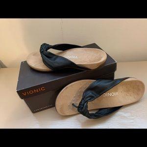Vionic rest pippa black sandals